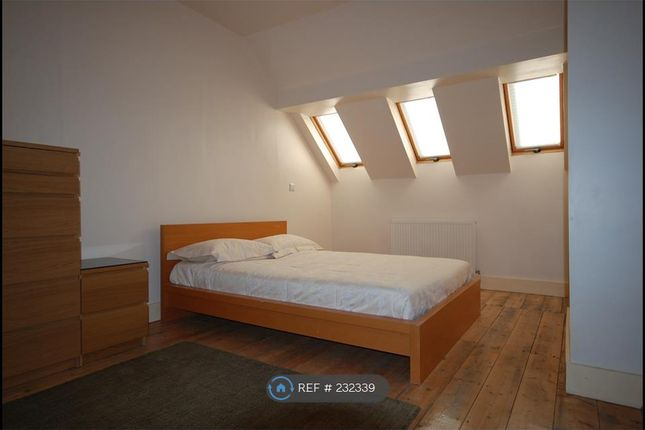 Thumbnail Semi-detached house to rent in Ashburnham Road, Luton