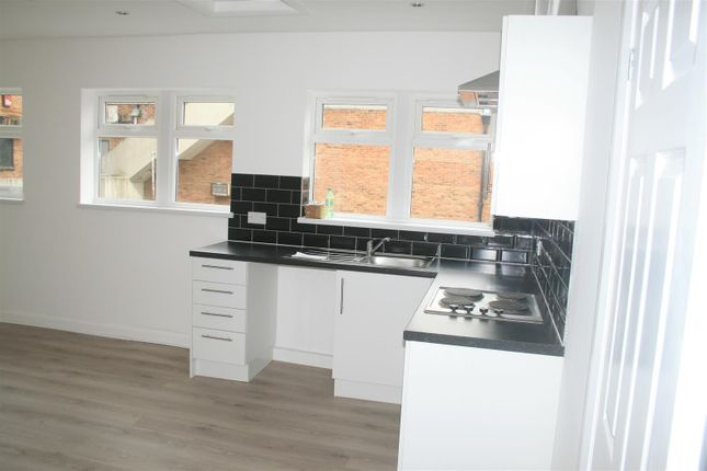 Thumbnail Flat to rent in Clock House, Waterlooville