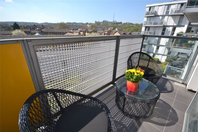 Thumbnail Flat for sale in Chadwell Lane, Hornsey, London