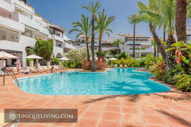 Thumbnail Apartment for sale in Golden Mile, Marbella, Costa Del Sol