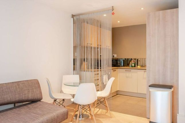 Thumbnail Flat to rent in Omega Place, London