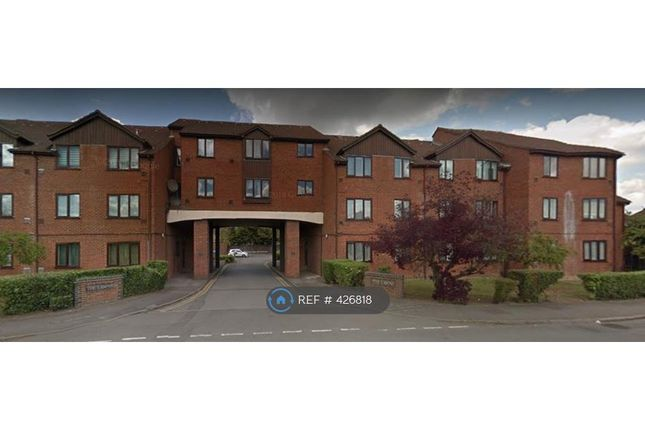 Thumbnail Flat to rent in Old Bath Road, Colnbrook, Slough