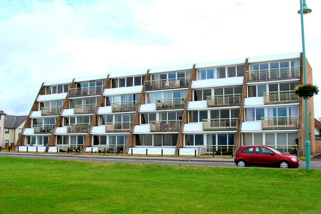 Thumbnail Flat for sale in Marine Parade East, Lee-On-The-Solent