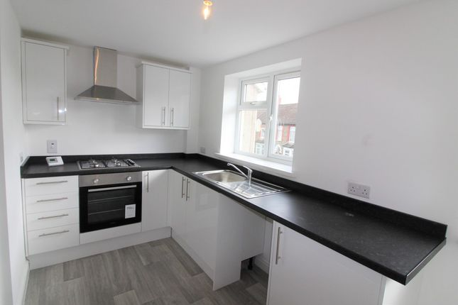 Thumbnail Flat to rent in Broomfield Street, Caerphilly