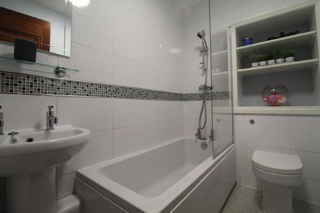 Bathroom of Eden Place, First Floor AB25