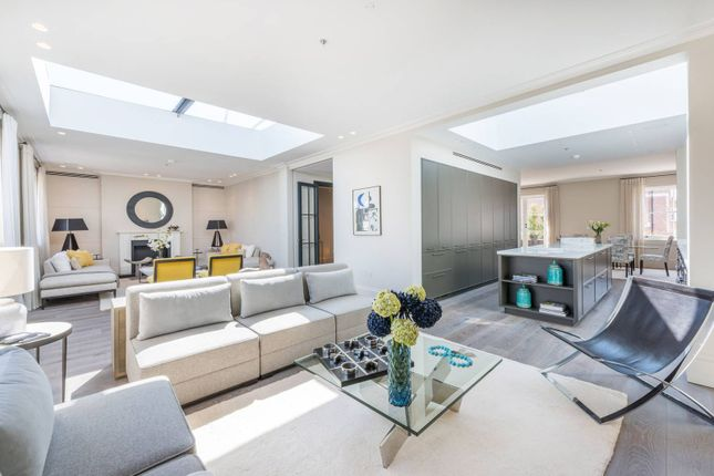 Thumbnail Flat for sale in Pembridge Crescent, Notting Hill