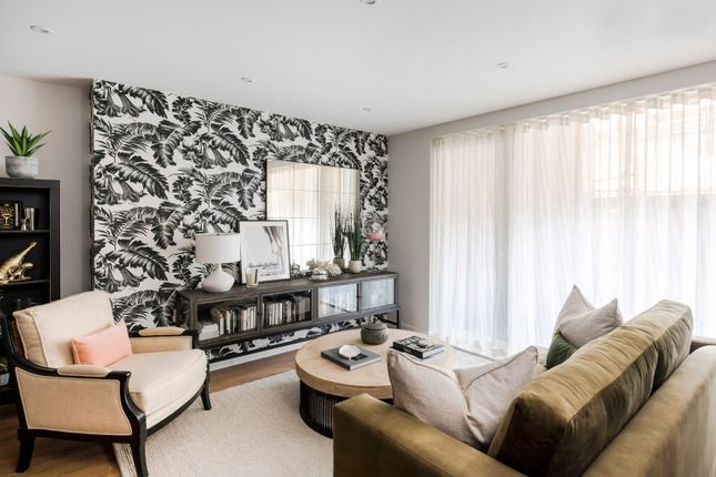3 bed flat for sale in Newham Way, Beckton, London E6