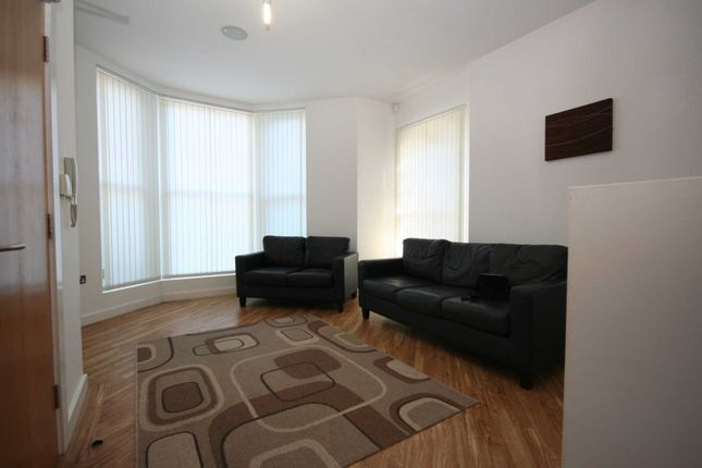 2 bed flat to rent in Lulworth Road, Southport PR8