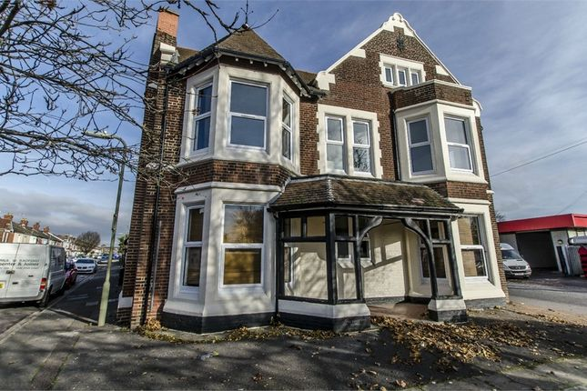 Thumbnail Flat to rent in Parkway Court, 272 Southampton Road, Eastleigh, Hampshire