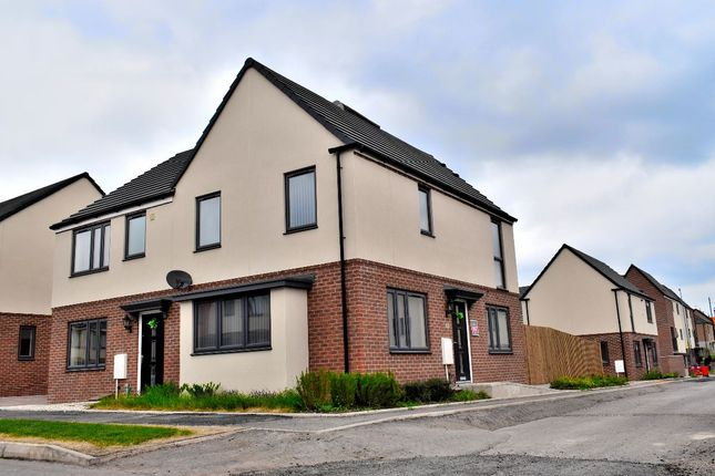 Thumbnail Semi-detached house to rent in Westgate Mews, West Bromwich