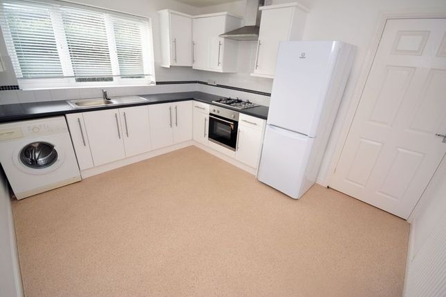 Cornelius Close South Cornelly Bridgend Cf33 2 Bedroom Flat For