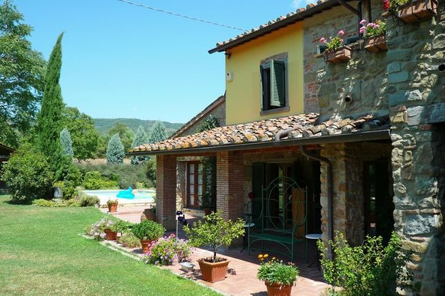 5 bed farmhouse for sale in Arezzo, Tuscany