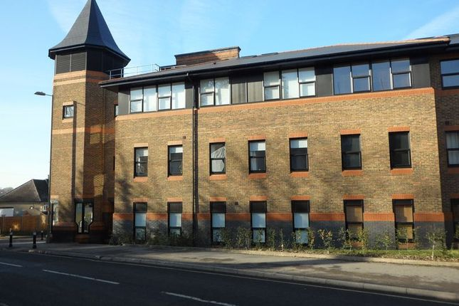 Thumbnail Flat to rent in Winchester Road, Basingstoke