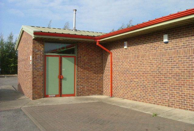 Thumbnail Industrial to let in Ireland Close, Staveley