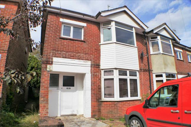Room to rent in Henty Road, Broadwater, Worthing BN14