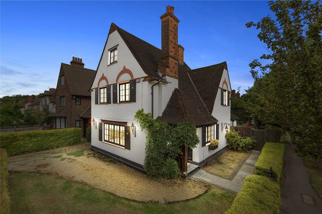 Thumbnail Detached house for sale in Parkway, Gidea Park