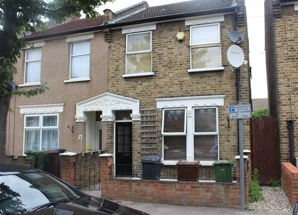 Thumbnail Terraced house for sale in Heath Road, Chadwell Heath