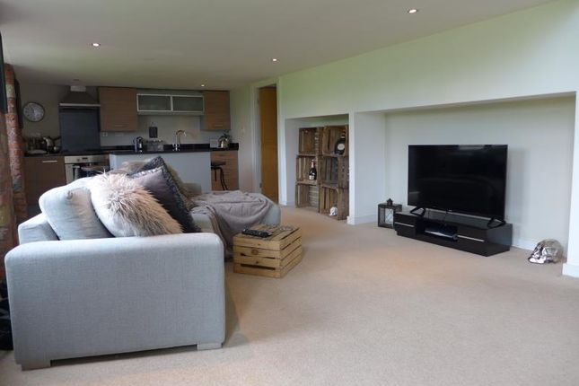 Flat to rent in Apartment, Valley Mill, Park Road, Elland