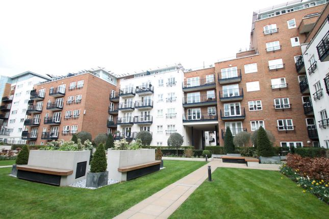2 bed flat to rent in Dartmouth House, Royal Quarter, Kingston Upon Thames