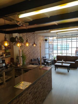 Thumbnail Restaurant/cafe for sale in Cafe & Sandwich Bars HU18, East Yorkshire