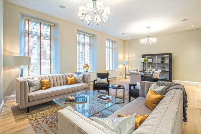 Thumbnail Flat for sale in Bell Yard, London