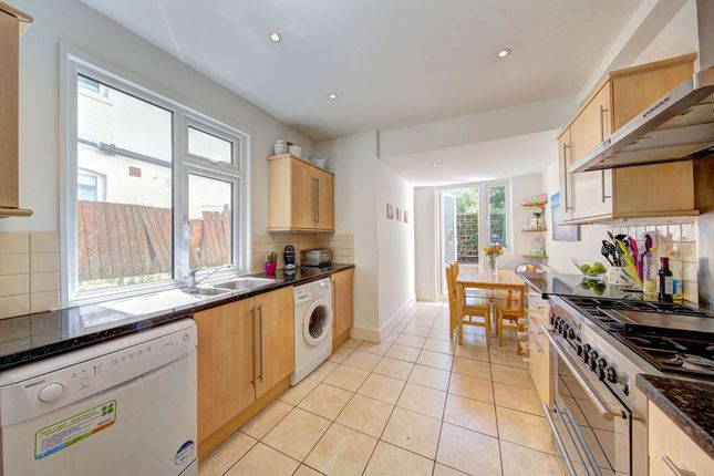 4 bed terraced house to rent in Steerforth St, Wandsworth