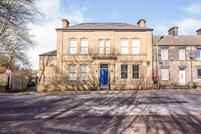 2 bed flat for sale in Wentworth Court, Penistone, Sheffield S36