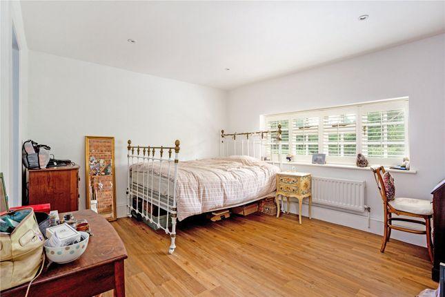 Picture No. 10 of Bushylease Cottages, Redlands Lane, Crondall, Farnham GU10