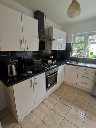 Thumbnail Semi-detached house to rent in Whitethorne Avenue, Yiewsley