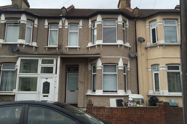 Thumbnail Property to rent in Hampton Road, Ilford