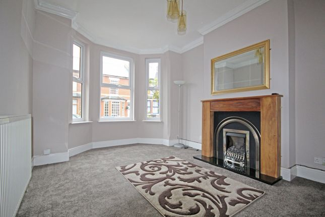Thumbnail Semi-detached house to rent in Westwood Road, Coulsdon