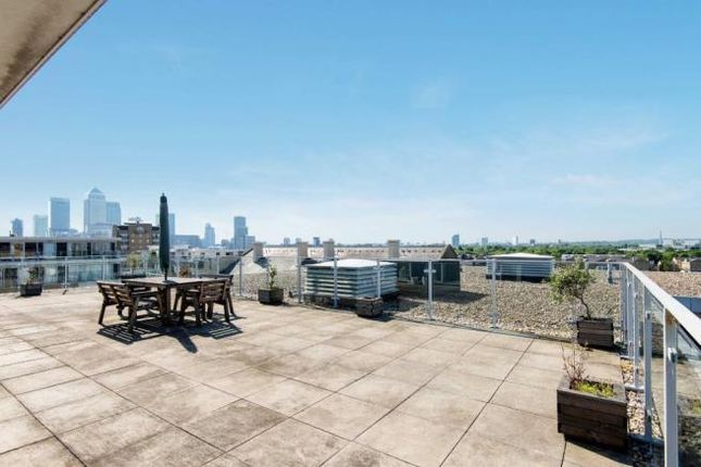 Thumbnail Flat to rent in Narrow Street, Limehouse