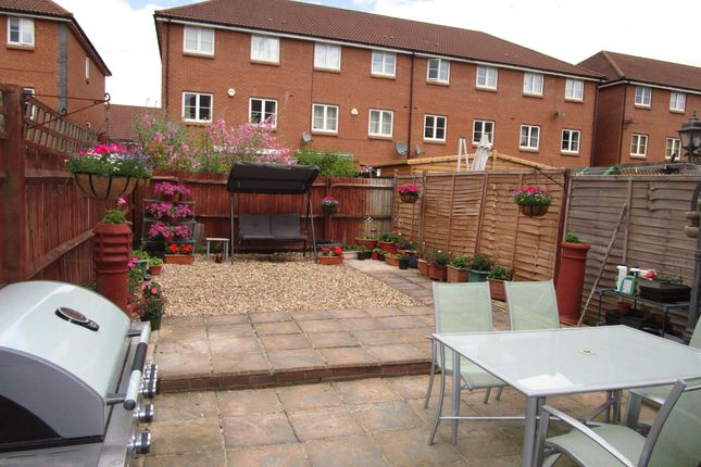 Thumbnail Property to rent in Chambers Grove, Welwyn Garden City