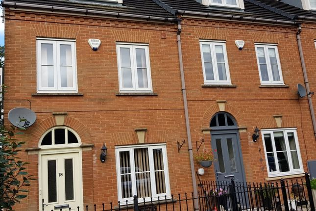 Thumbnail Mews house to rent in Lower Carrs, Ashton-Under-Lyne