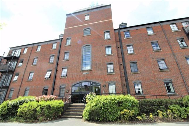 1 bed flat to rent in Priestley Court, Warrington, Cheshire WA4