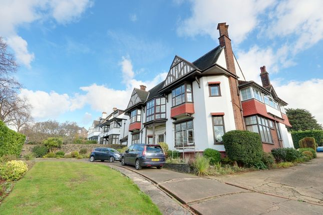 Thumbnail Flat for sale in Chalkwell Avenue, Westcliff-On-Sea