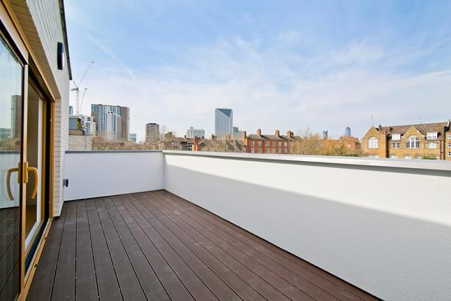 Thumbnail Flat for sale in Apt 7, Trinity Lofts, County Street, London