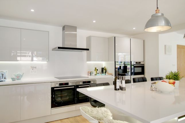 Thumbnail Detached house for sale in Longlands, Broadwater, Worthing