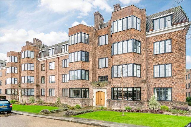 Thumbnail Flat to rent in Balliol House, Manor Fields, London