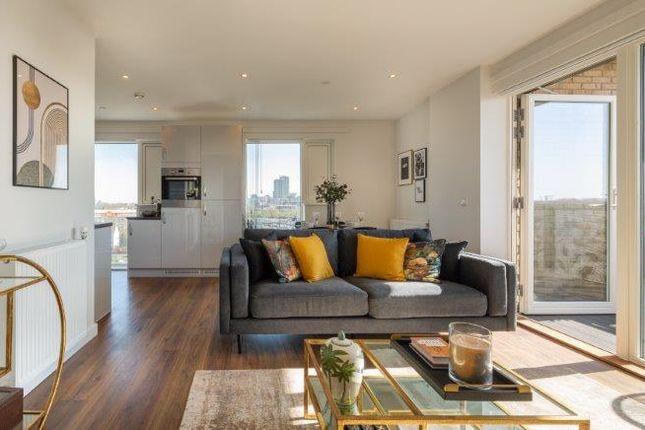 3 bed flat for sale in Dunedin Road, London E10
