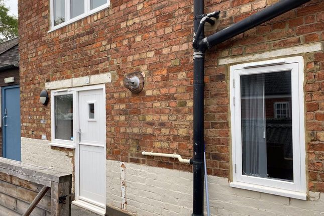 Thumbnail Flat to rent in Sheaf Street, Daventry