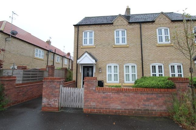 3 bed semi-detached house to rent in Shinewater Park, Kingswood, Hull HU7