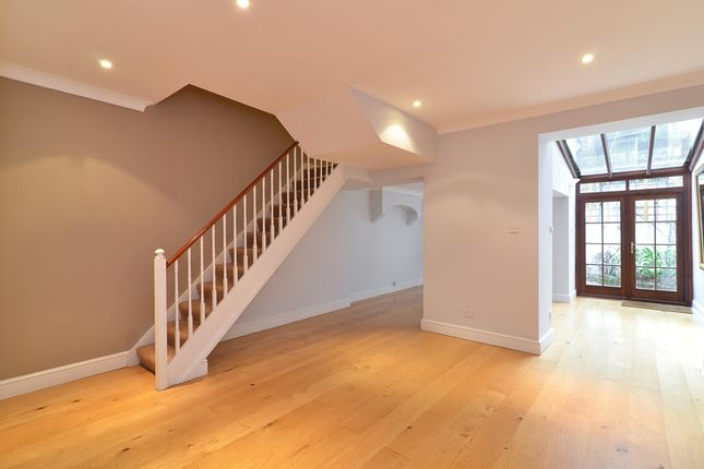 Thumbnail Terraced house to rent in Alderney Street, London