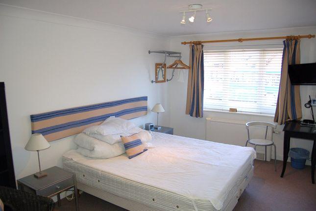 Guest Room 9 of Moniton Estate, West Ham Lane, Basingstoke RG22