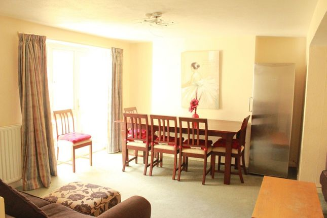 Thumbnail Terraced house to rent in Eastern Road, Brighton