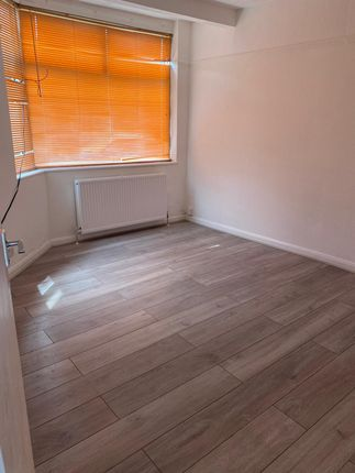 3 Bedroom House Available To Let In Athelstone Road,Harrow, Ha3 5Nz