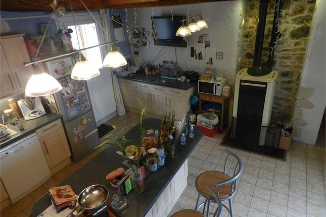 3 bed property for sale in Pays De La Loire, Sarthe, Sille Le Guillaume