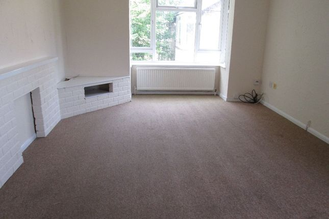 2 bed flat to rent in Kinderley Road, Wisbech PE13
