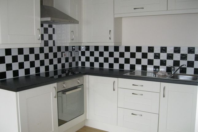 Thumbnail Flat to rent in Llanllyfni Road, Penygroes