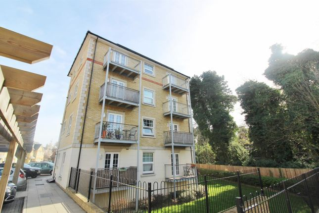 Thumbnail Flat to rent in Weir Road, Bexley